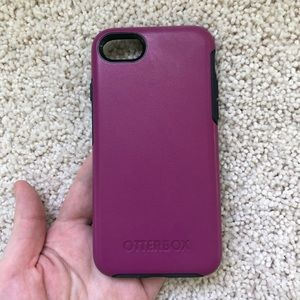 Pink iPhone 8 Otterbox Case